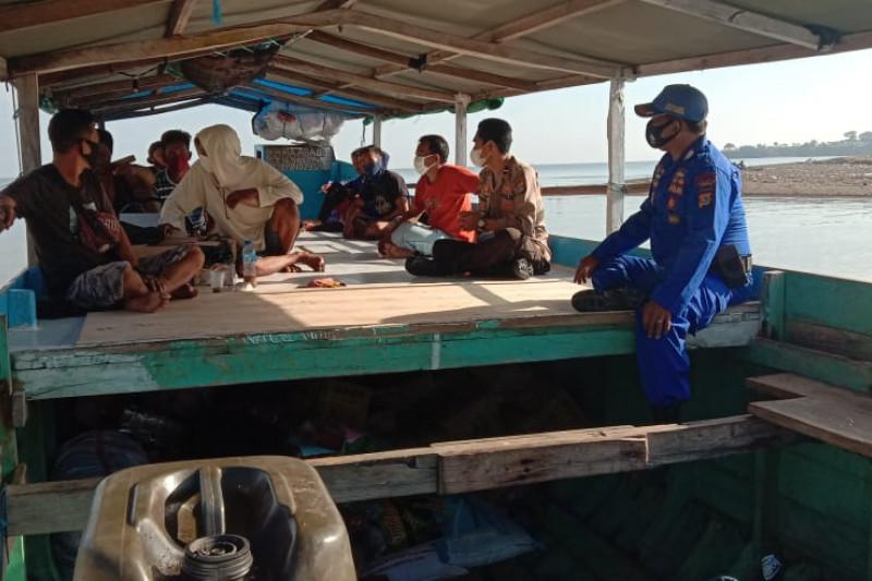 Satpolair Polres Sumbawa imbau penumpang kapal terapkan protokol kesehatan