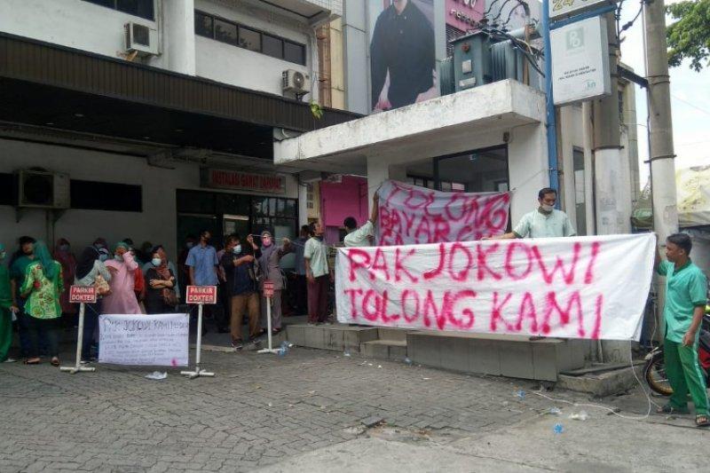 Gaji tak dibayar, tenaga kesehatan RSU Permata Bunda Medan gelar demo