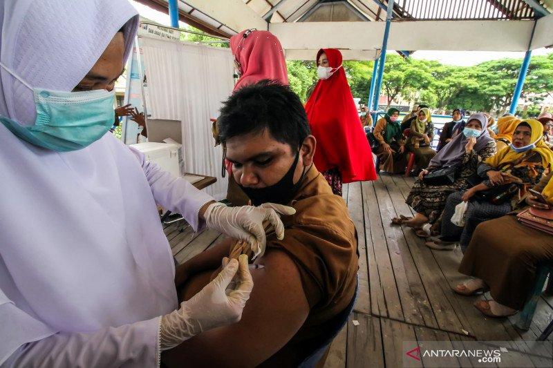 11 juta lebih warga Indonesia telah selesai divaksinasi COVID-19