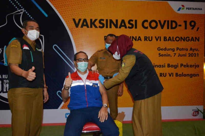 Pertamina Balongan laksanakan vaksinasi COVID-19 bagi 886 pekerja di Indramayu