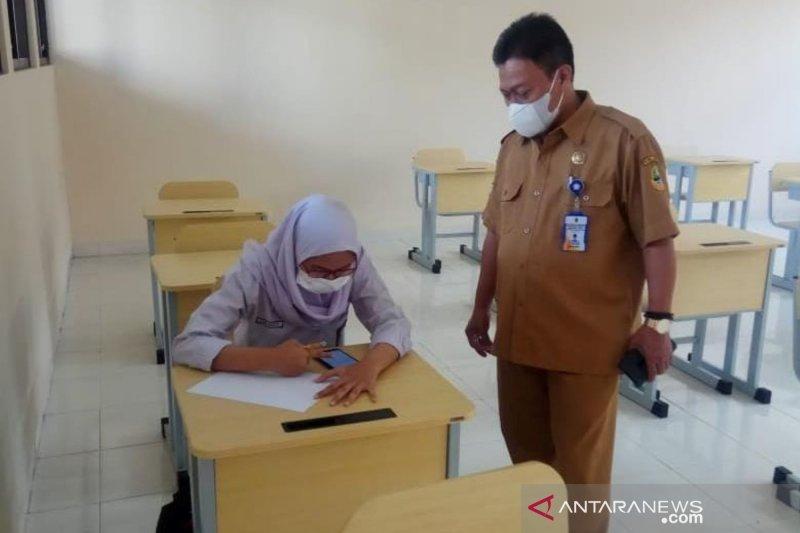 Satu SMA di Bandung hanya dihadiri satu siswa saat uji coba PTM