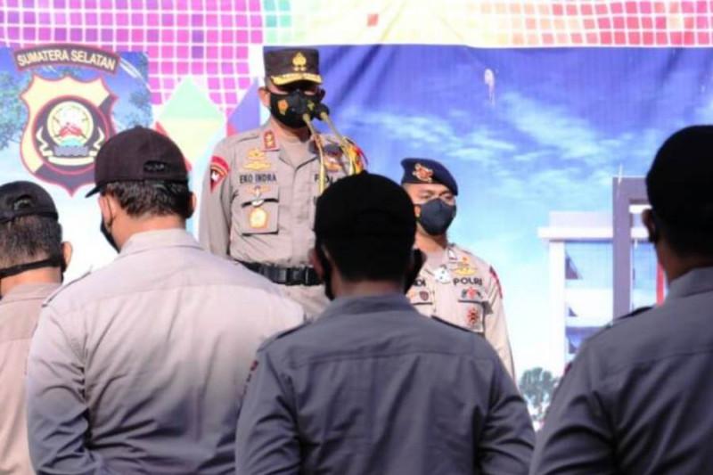 Kapolda Sumsel beri penghargaan personel  aktif tegakkan PPKM