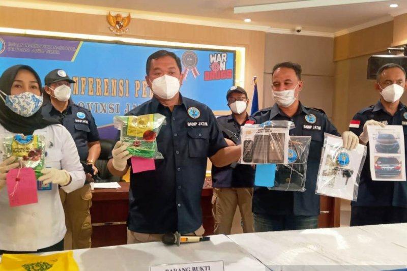 BNN Jatim gagalkan peredaran 1,6 kilogram sabu-sabu jaringan Ibu Kota