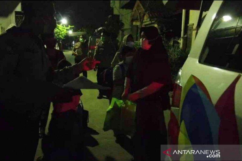 Perumahan di Bekasi terapkan karantina usai resepsi pernikahan