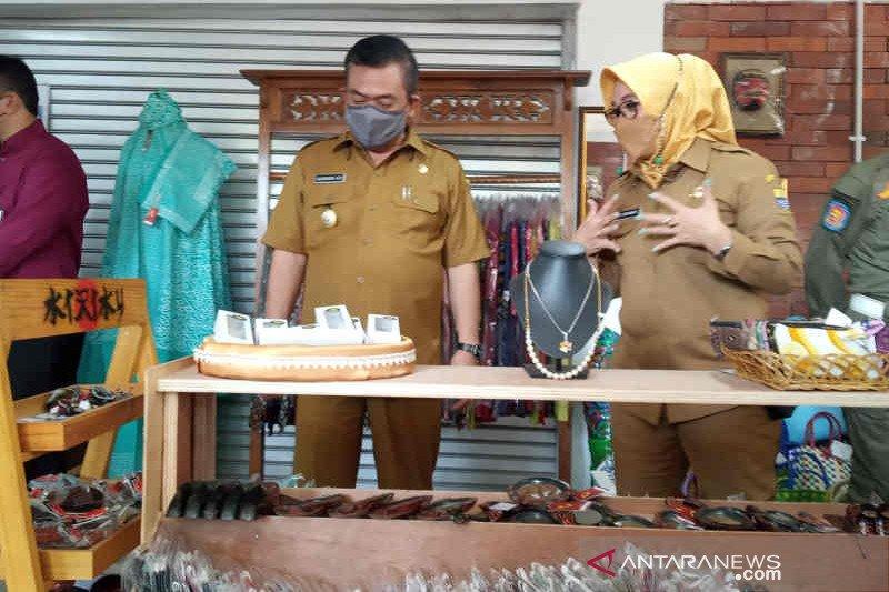 Kota Cirebon operasikan sentra UMKM di alun-alun Kejaksan