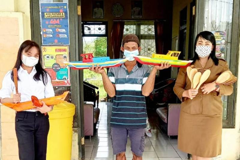 UKM Tumbang Talaken Gumas hasilkan berbagai produk kerajinan tangan