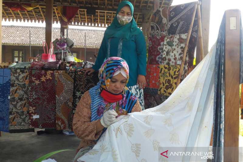Pengrajin batik Borobudur sepi permintaan di tengah pandemi