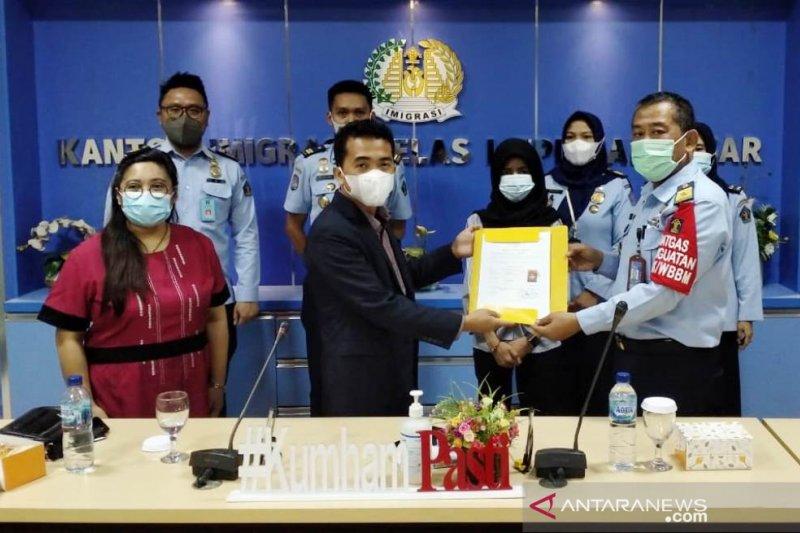 Konsul Muda Konjen Filipina kunjungi warganya di Rudenim Makassar