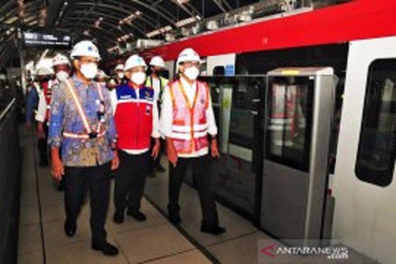 Presiden Joko Widodo harap kereta LRT buatan RI bisa diekspor