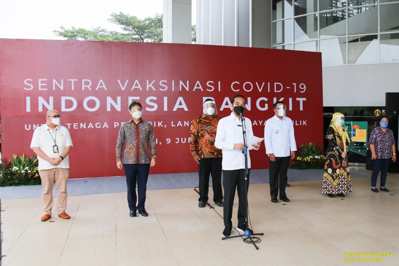 Presiden Jokowi tinjau pelaksanaan vaksinasi di RSUI