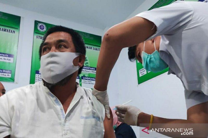 Di Sulawesi Tenggara, sebanyak 6.316 lansia sudah divaksin COVID-19