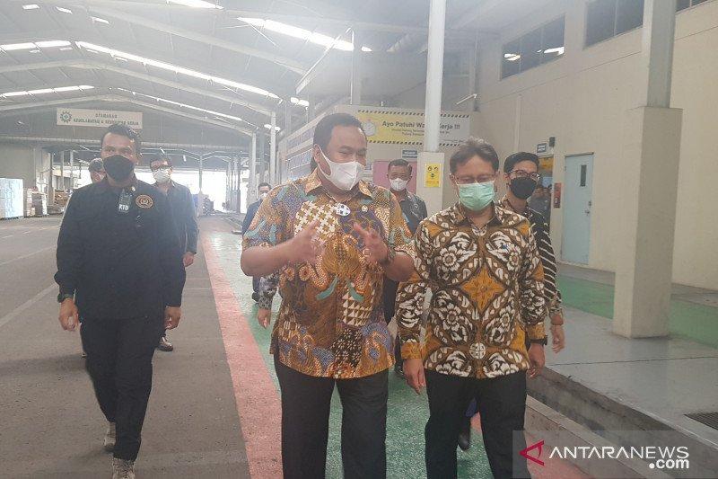 Menkes Budi Gunadi apresiasi proses produksi PT PHC Indonesia