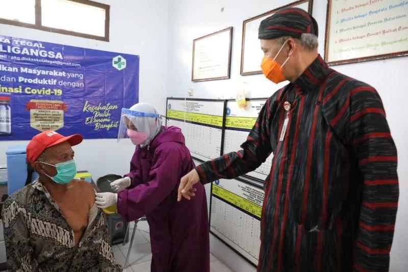 Ganjar cek percepatan vaksinasi di Tegal & Brebes