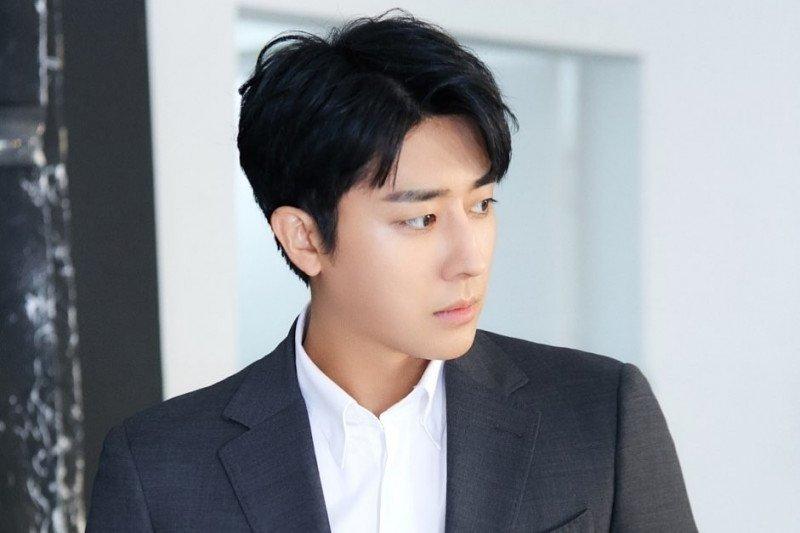 Aktor Son Ho-jun tinggalkan agensi YG Entertainment setelah bernaung selama 5 tahun