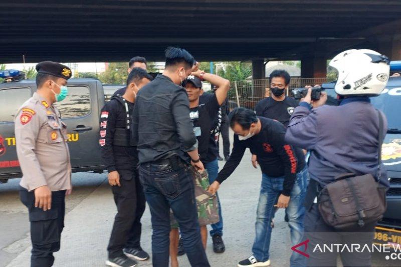 OTT Polrestro Jakarta Barat tahan 22 orang tersangka preman