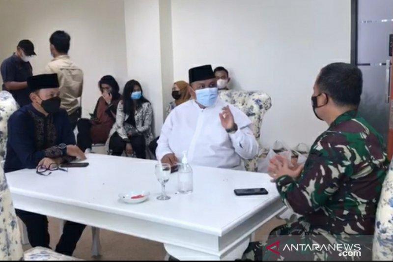Wali Kota Bogor dan pendukung Rizieq berdialog di DPRD