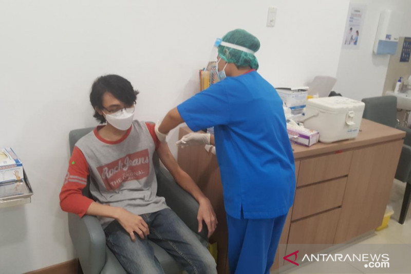 20 juta penduduk Indonesia terima vaksin COVID-19