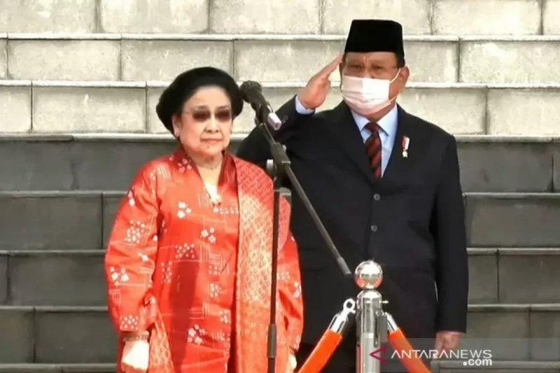 Prabowo dampingi Megawati ke sidang pengukuhan gelar profesor