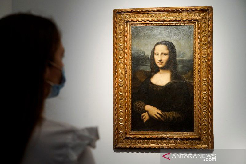 Kemarin, lukisan tiruan Mona Lisa terjual sampai THE BOYZ