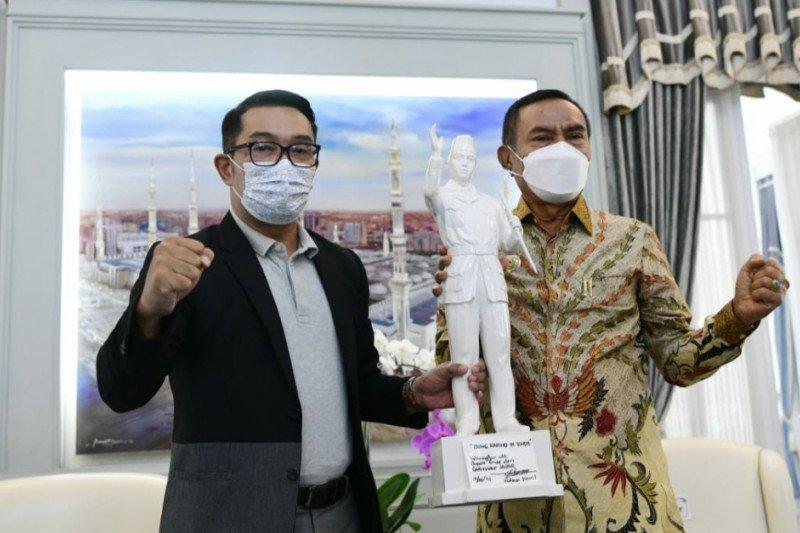 Ridwan Kamil dukung Pemkab Ende membangun patung Bung Karno