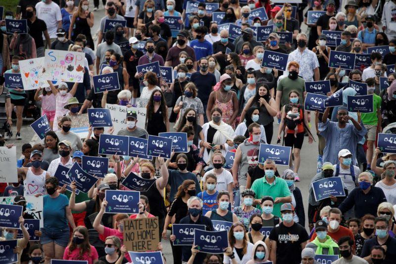Ribuan warga Kanada mendukung keluarga Muslim korban serangan truk