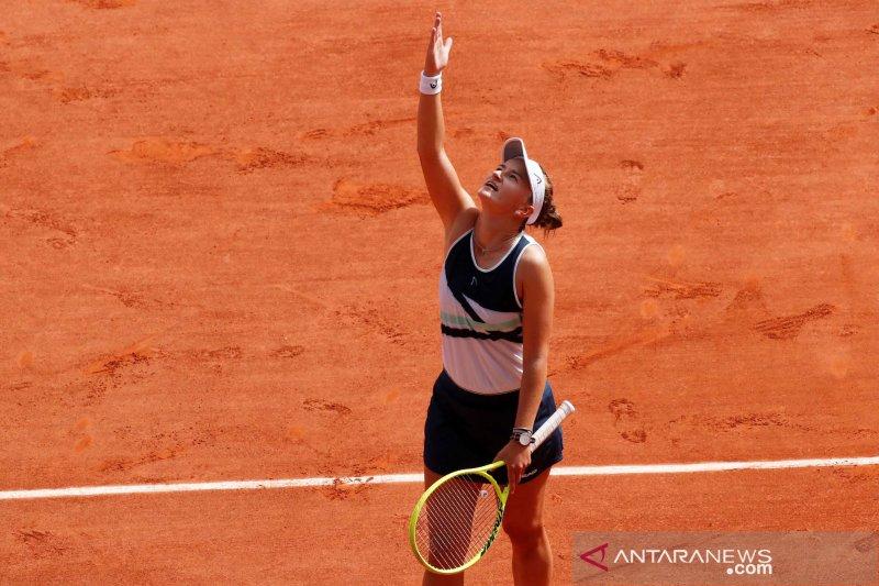 Krejcikova rebut juara tunggal dan ganda putri French Open 2021