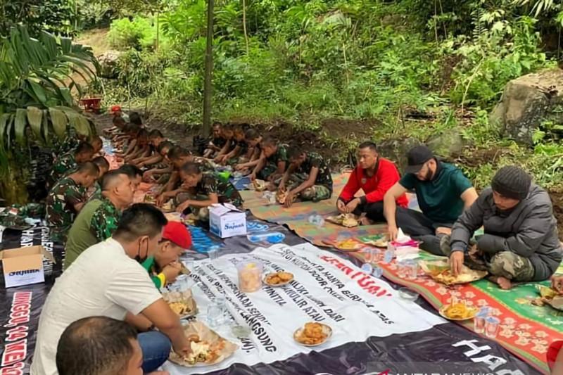 Wako Padang Panjang tinjau warga gotong royong saat liburan