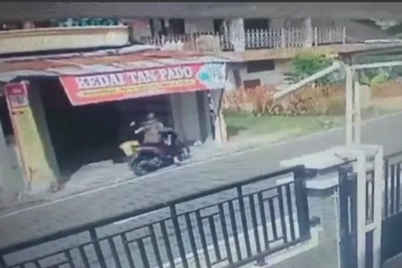 Wanita paruh baya di Bukittinggi gagalkan aksi pencurian