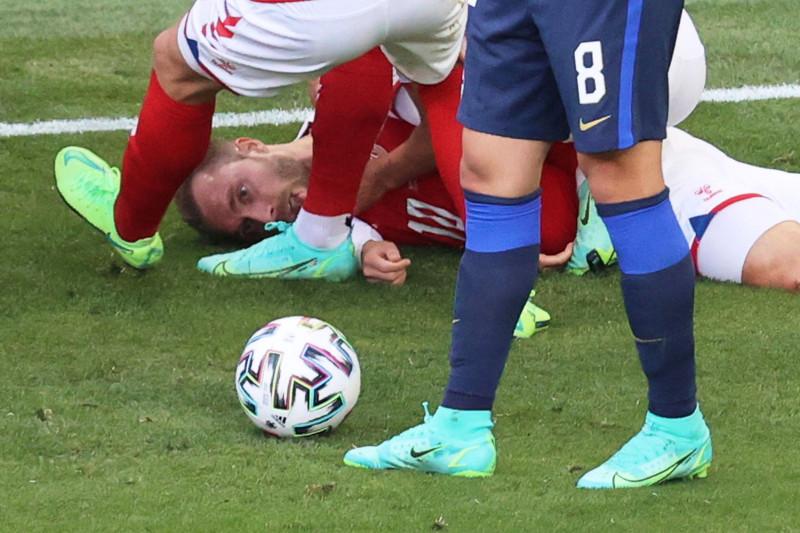 Dokter: Detak jantung Eriksen sempat berhenti