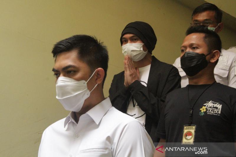 Polisi temukan lokasi penyimpanan ganja  milik EAP alias Anji di Bandung