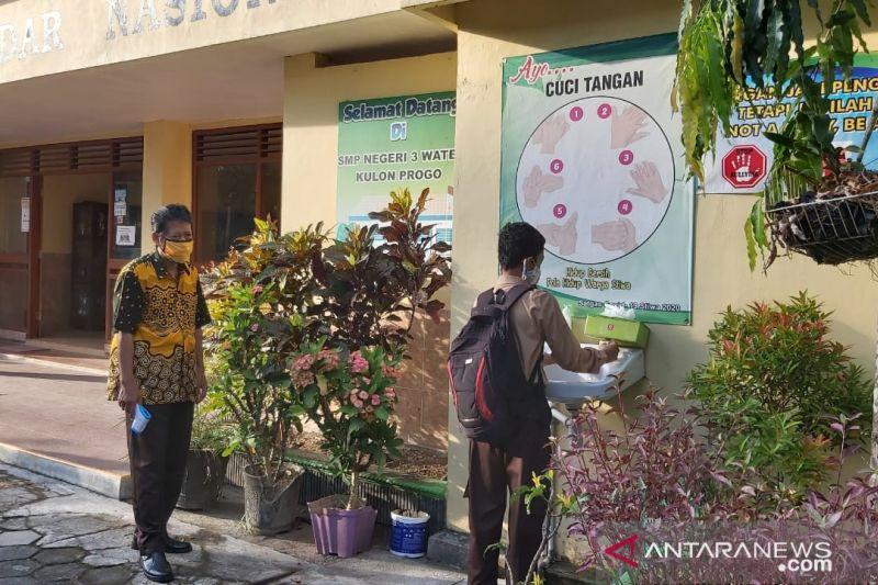 Pembelajaran tatap muka akan dilaksanakan di sekolah-sekolah yang sudah siap di Kulon Progro