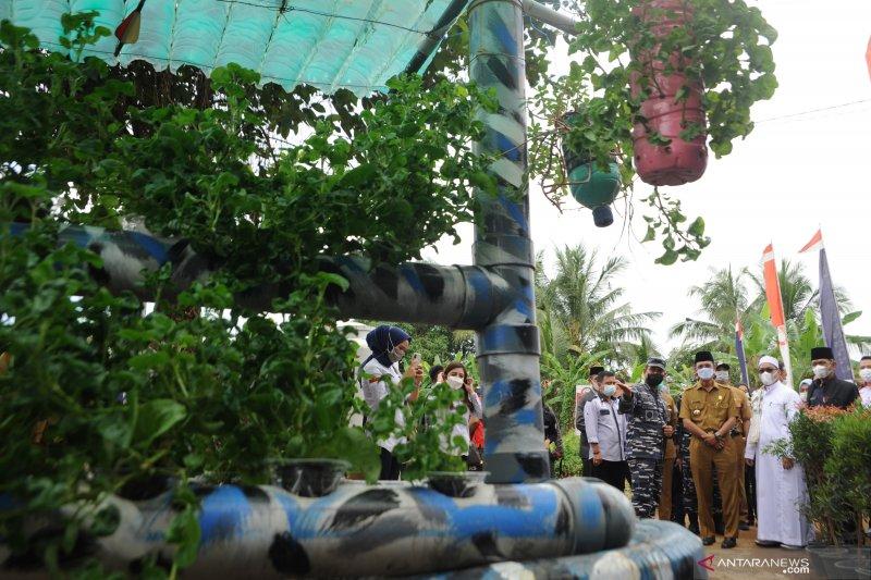 Danlanal dan Wali Kota resmikan Kampung Bahari Lanal  Palembang