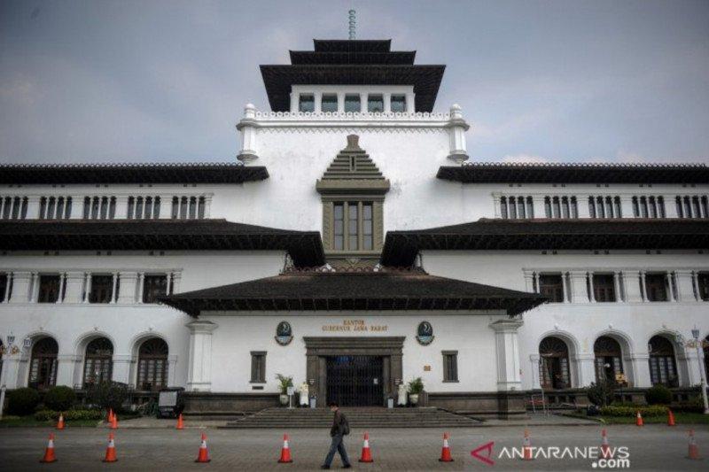 Pegawai positif COVID-19 bertambah Gedung Sate Bandung kembali ditutup