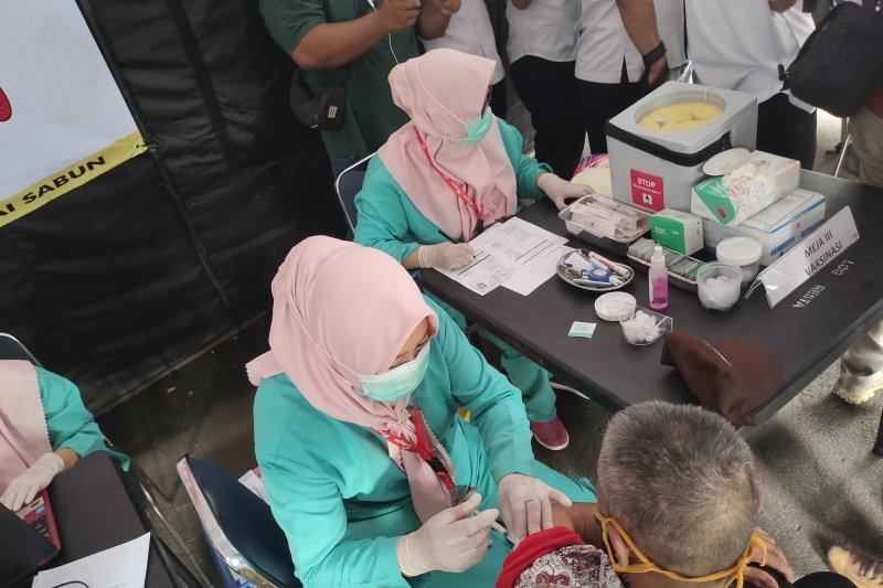 Wali Kota Bandarlampung minta warga belum vaksinasi segera datang ke puskesmas