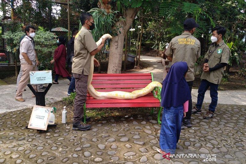 Disparbud Garut dorong pelaku wisata untuk divaksinasi COVID