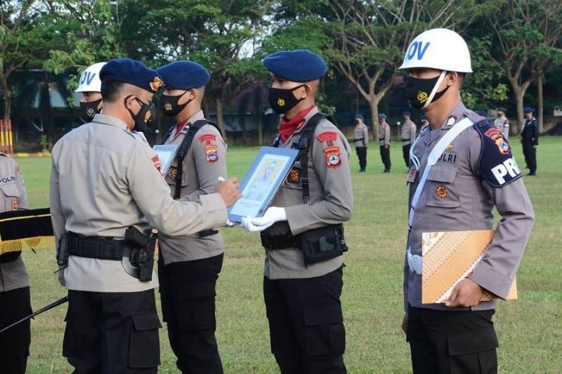 Dua polisi di Kalimantan dipecat secara tidak hormat