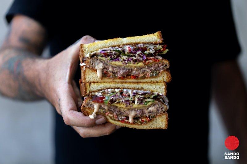 Sandwich ala Jepang dengan isian melimpah, praktis dan mengenyangkan