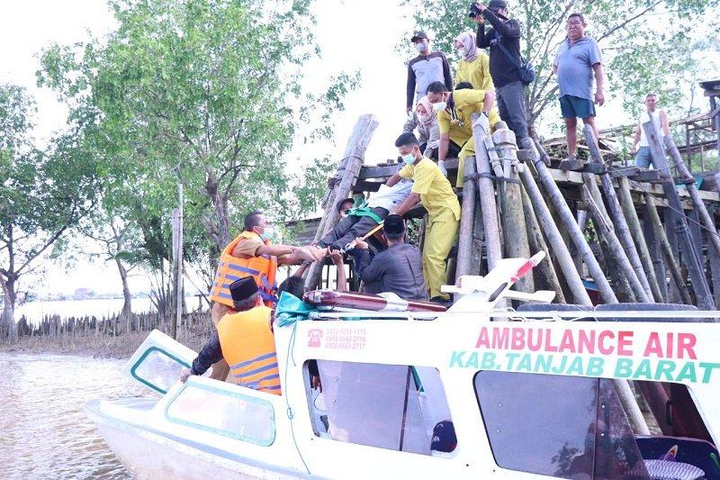 Tanjabbar Jambi operasikan ambulans air layani warga perairan