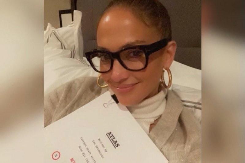 """""""Atlas"""" judul film terbaru yang dibintangi Jennifer Lopez untuk Netflix"""