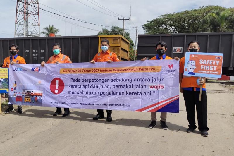 PT KAI Tanjungkarang lakukan sosialisasi keselamatan di Stasiun Bekri