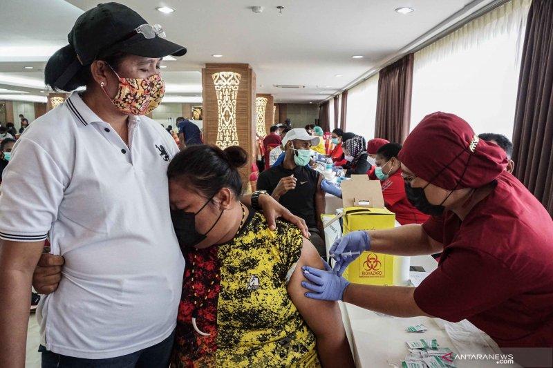 Penerima vaksin lengkap bertambah menjadi 12,212 juta penduduk Indonesia