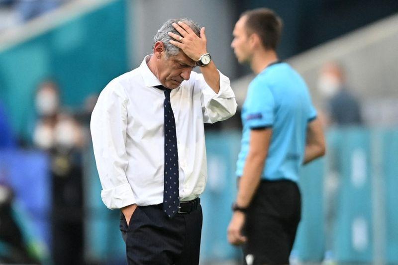 Pelatih Santos bertanggung jawab atas kekalahan Portugal