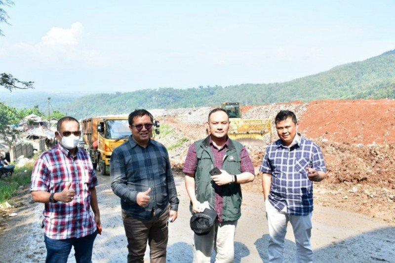 DPRD Jawa Barat sebut TPA Sarimukti sudah 'over' kapasitas