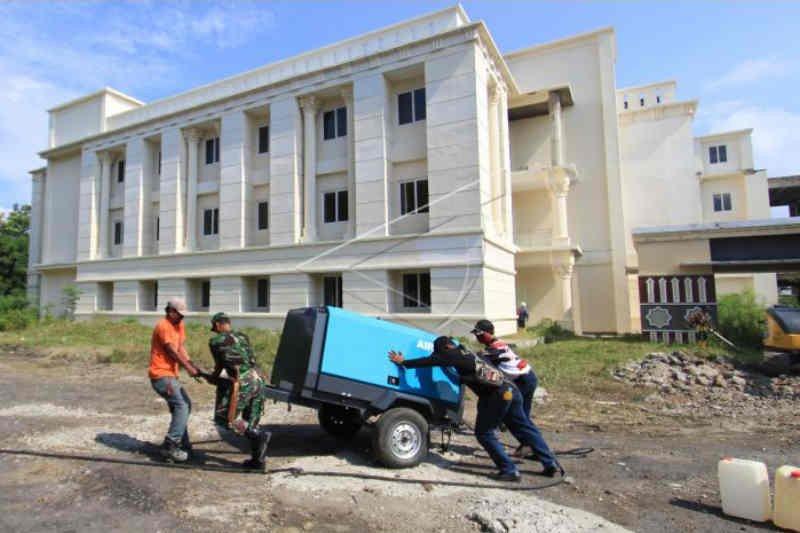 13 warga Indramayu meninggal dalam sehari akibat COVID-19