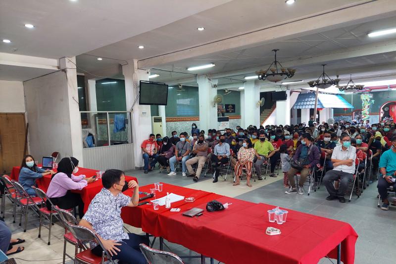 Organisasi HTT Padang fasilitasi ribuan warga vaksinasi gratis