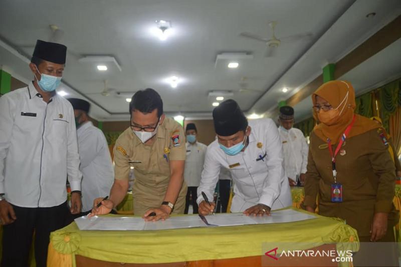 Setelah ijab kabul, pengantin di Padang langsung dapat ini dari Disdukcapil setempat