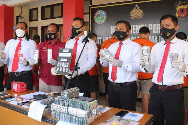 Polisi Majalengka tangkap 10 tersangka pengedar narkotika
