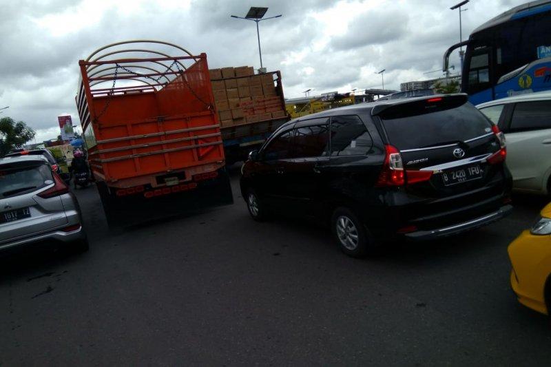 BP Transportasi Darat Sulselbar segera tertibkan truk parkir di jalan raya