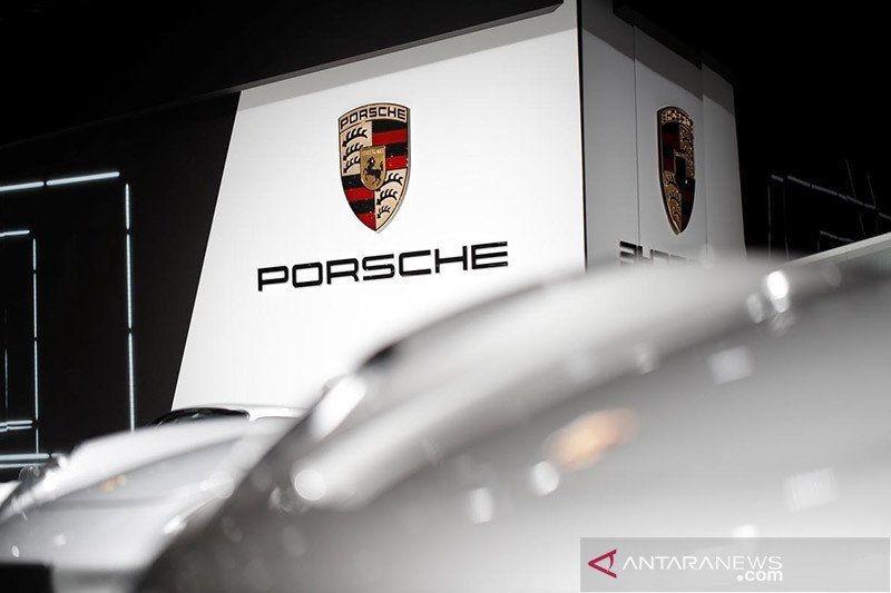 Porsche akan produksi baterai sendiri bersama dengan Customcells