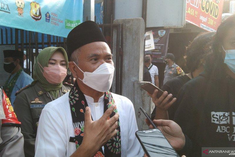 Tanpa surat keterangan, Cilandak terima vaksinasi warga Bodetabek